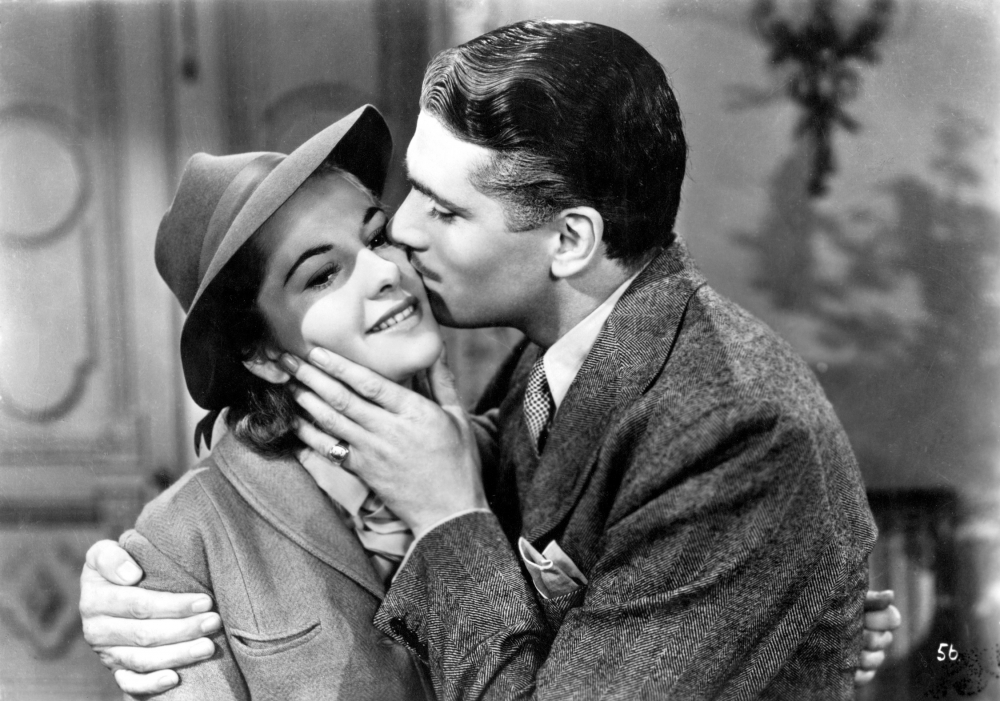 http://www.bfi.org.uk/sites/bfi.org.uk/files/styles/full/public/image/rebecca-1940-laurence-olivier-kissing-joan-fontaine-00n-yrr.jpg?itok=yLfAEyZ8